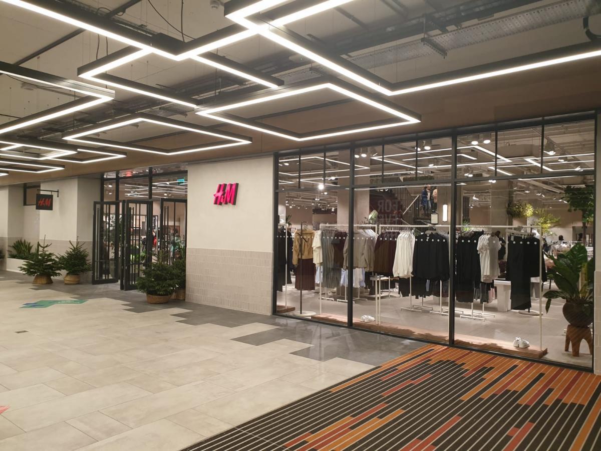H & M 2 - Inside Kingsmall